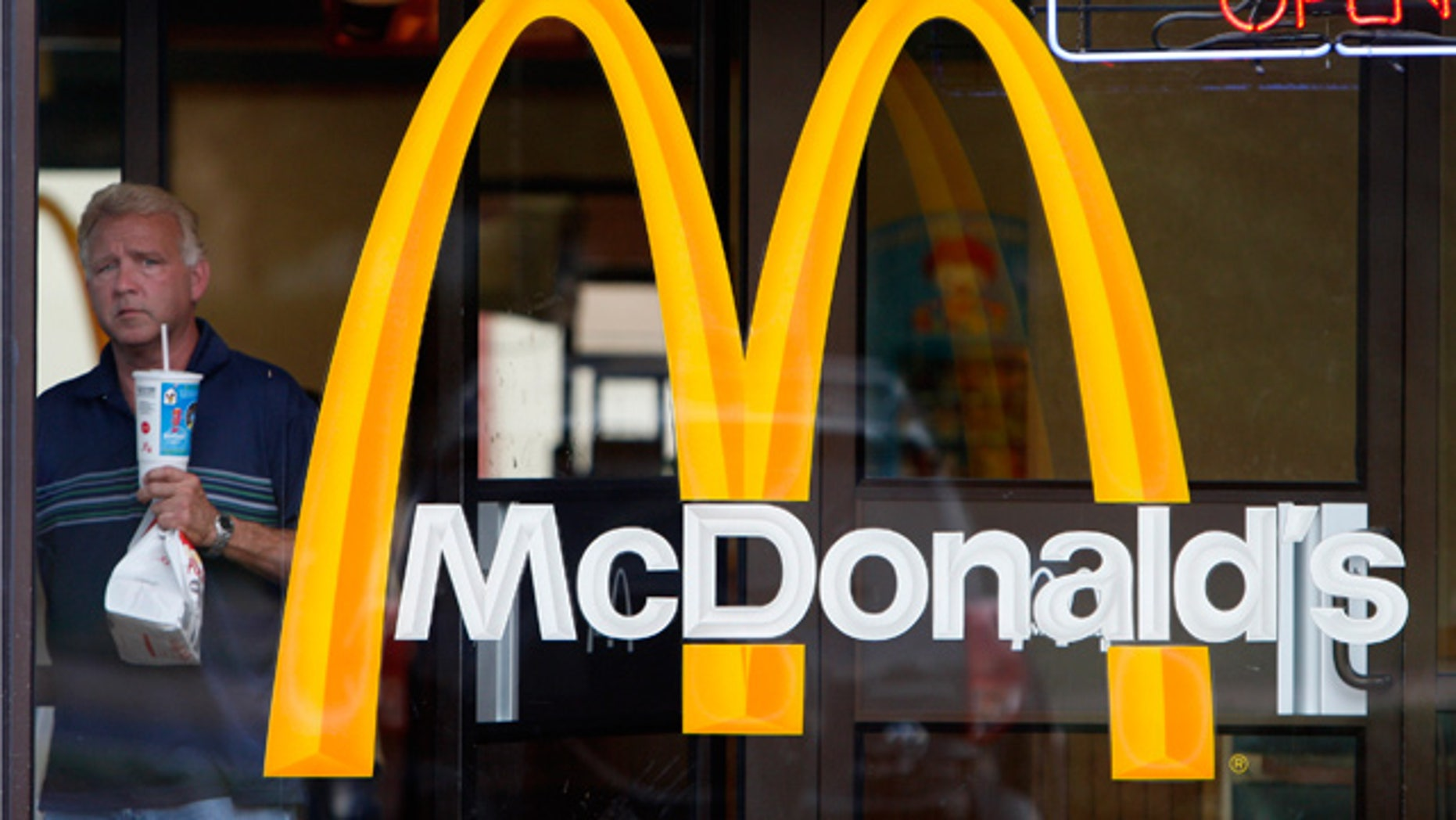 mcdonalds encourages franchises to stay open christmas day - Fast Food Open Christmas