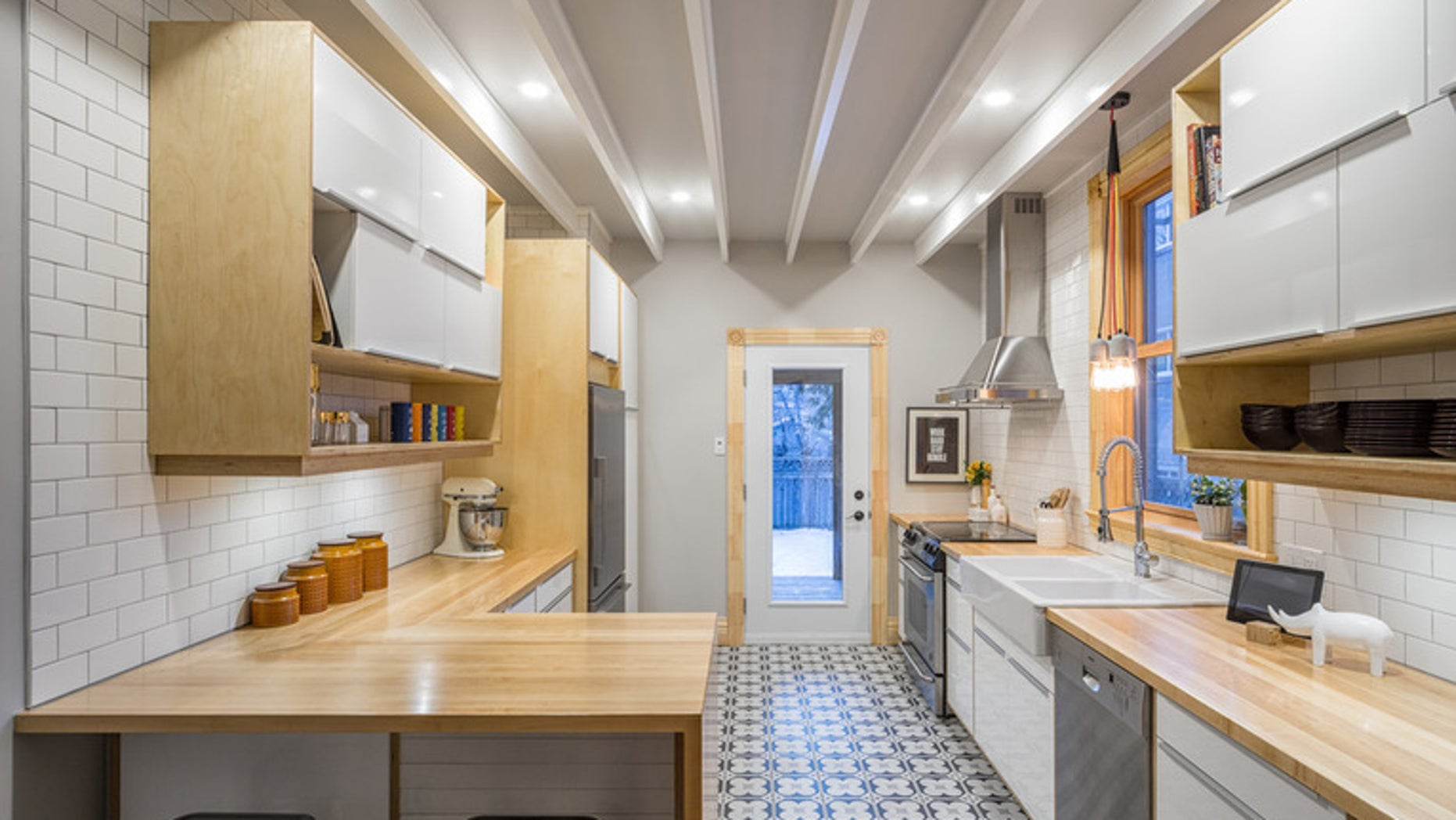 We Recently Profiled Options For Skinny Islands In Small Kitchens. For  Those Who Canu0027t Swing A Micro Island, Either Due To The Size Or The Layout  Of Their ...