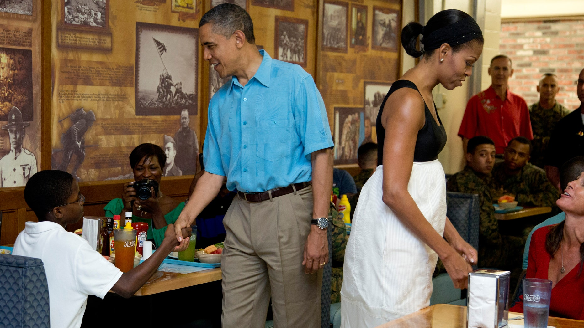Fiscal Cliff Crisis Prompts President Obama to Cut His Holiday ...