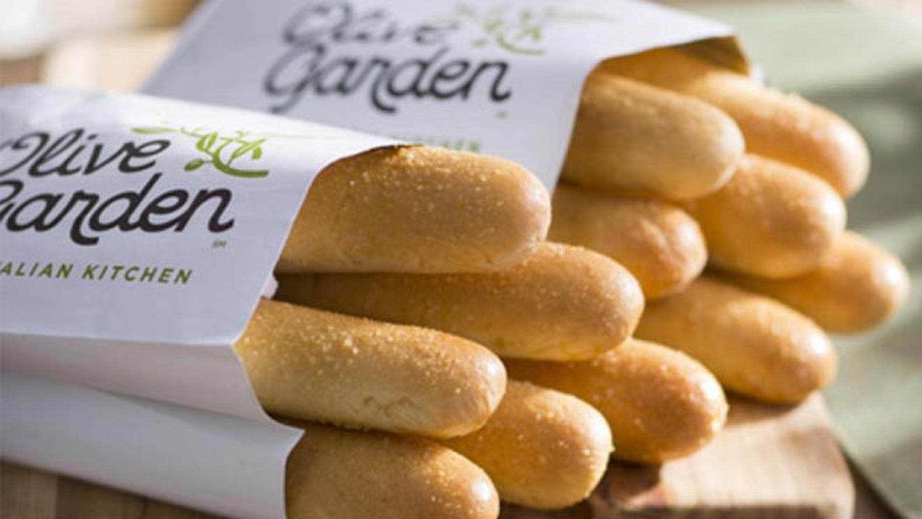 Olive Garden is coming up with another breadstick creation | Fox News