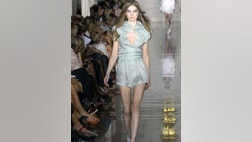 Pretty young starlets and women with great legs take note: shorts are back for spring.