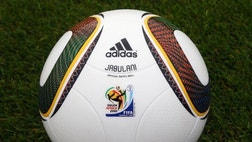 Every four years, a new official soccer ball is designed for and used during World Cup matches. And every four years, players -- and this time even scientists -- criticize the new ball.