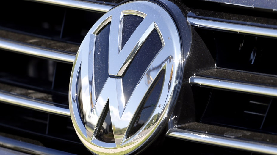 Volkswagen to reportedly offer cash to diesel car owners