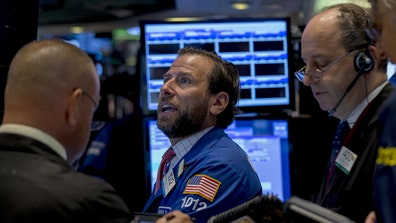Claman on Call: FBN's Liz Claman with an after-hours web exclusive on the markets, an E. coli scare at Starbucks, and Valeant stock.