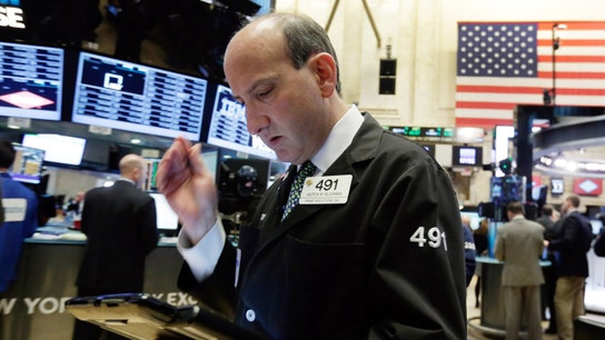 U.S. Stocks End Mixed, Oil Prices Fall Again