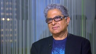 Dr. Deepak Chopra on 2016 Race: Trump Brings Out Our 'Dark Side'