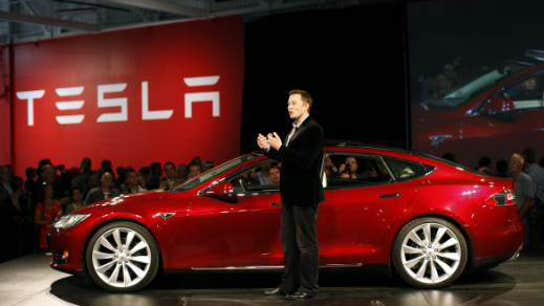 Tesla: Auto Firm or Missing Link for Renewable Energy?