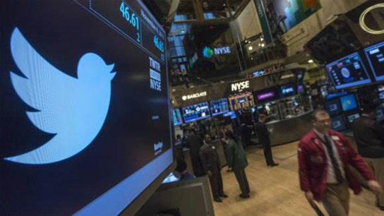 Twitter Tops 1Q Views, But Shares Sink 10%