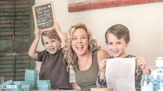 Single Mom Turns Hobby Into Full-Time Soap Business
