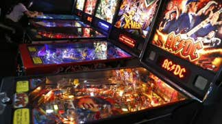 FNC's Phil Keating explains why pinball games are making a comeback.
