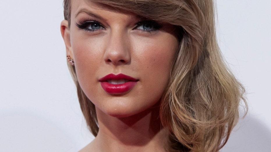 Swift: I have no nude pics