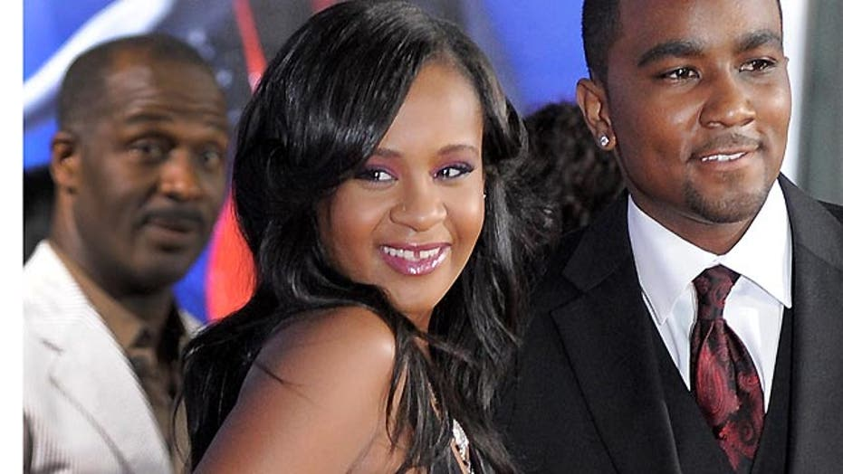 Whitney Houston's daughter reportedly clinging to life