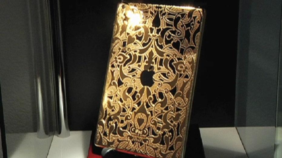 Filthy rich tech: $8,000 gold phones