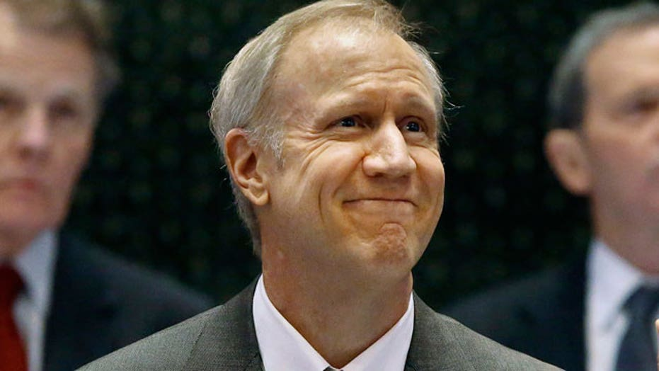 Illinois governor: Union holdouts not forced to pay dues