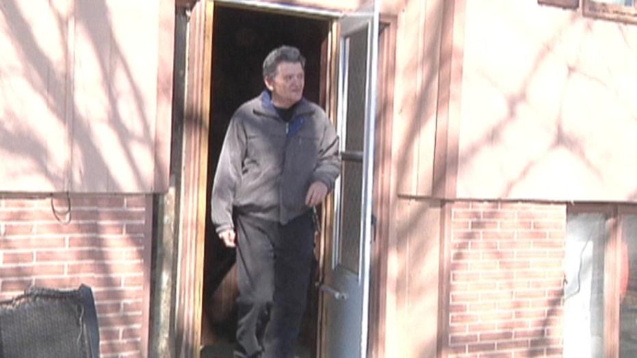 Extreme commute: Iowa man walks 35 miles to work