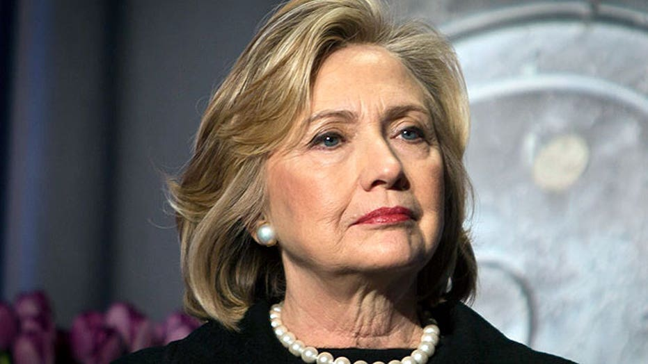 Clinton given deadline to provide her personal email server