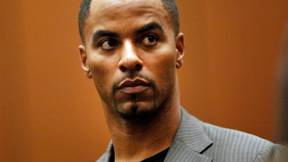 Ex-NFL star Darren Sharper to enter pleas in assault case