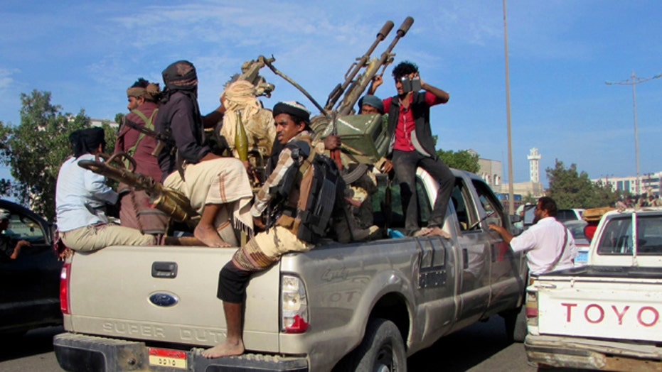 Yemen descends into chaos amid fears of civil war