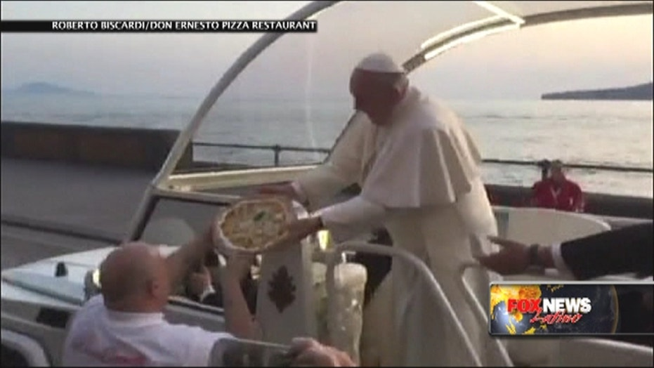 Pope offered pizza after saying he misses it