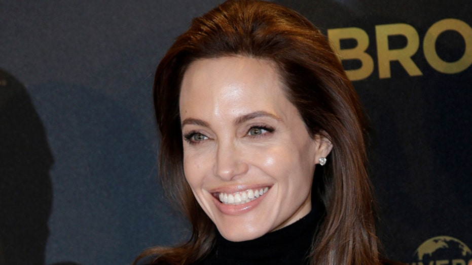Angelina Jolie has ovaries removed amid cancer fears