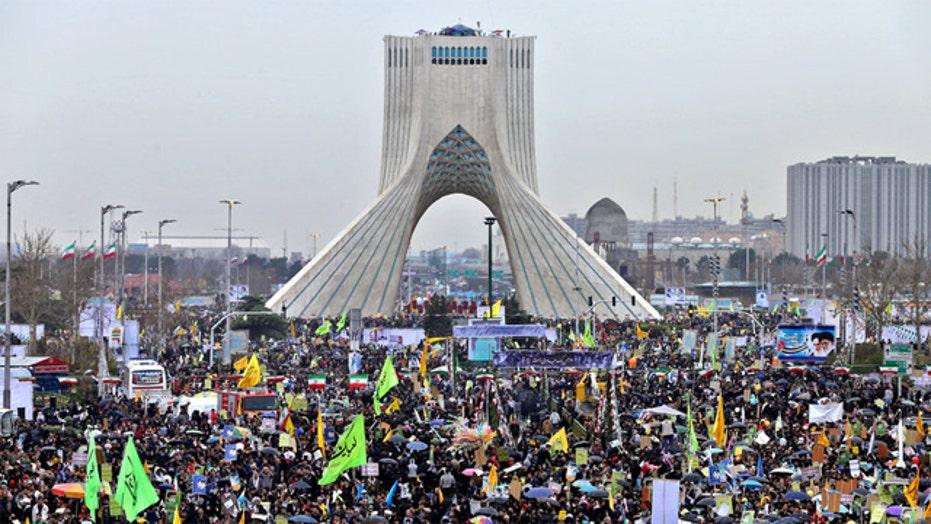 Revealing look at life in Iran as nuke deadline looms