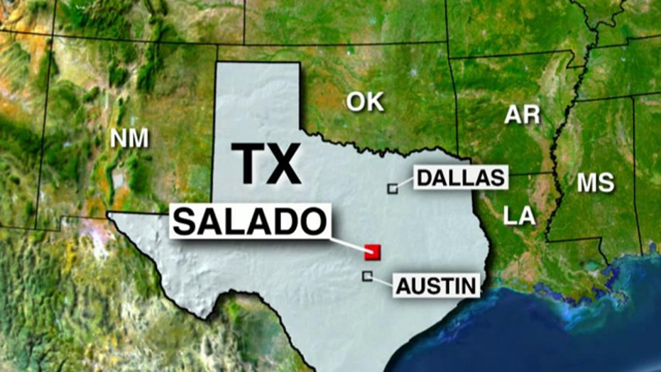 Report: Bridge collapse on Interstate 35 in central Texas