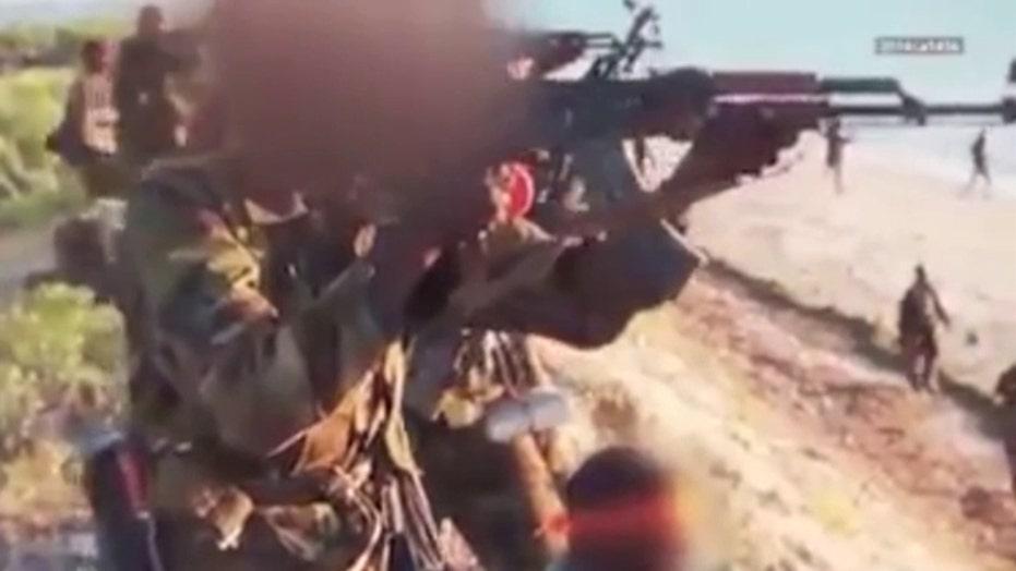 Video purports to show Al Shabaab gunmen executing captives