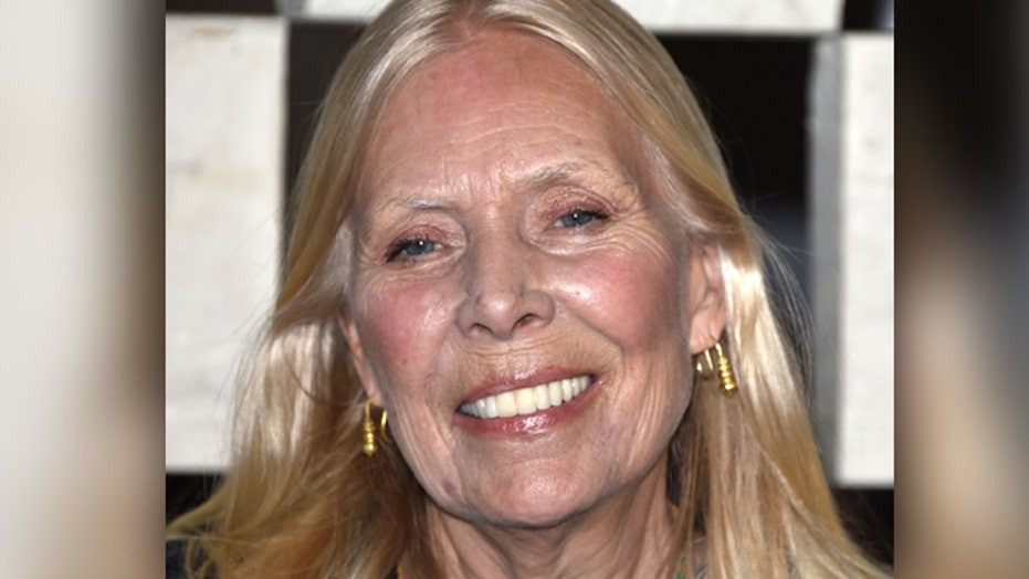 Joni Mitchell hospitalized