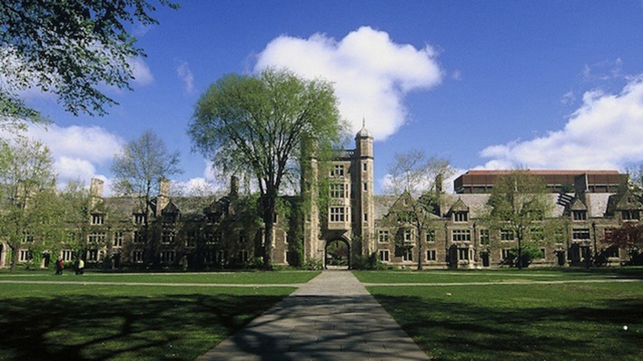 University reverses decision, will show 'American Sniper'