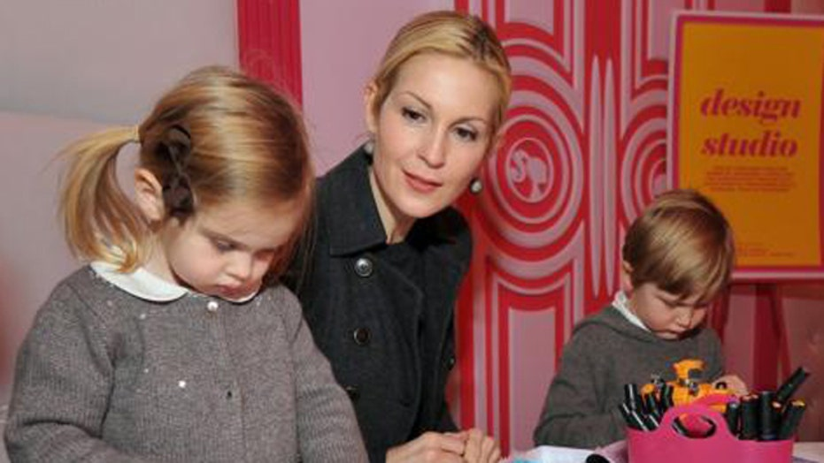 Kelly Rutherford's kids stuck in France with ex-husband?