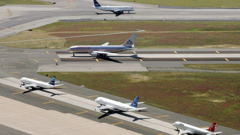 Report: Hackers could control planes through inflight Wi-Fi