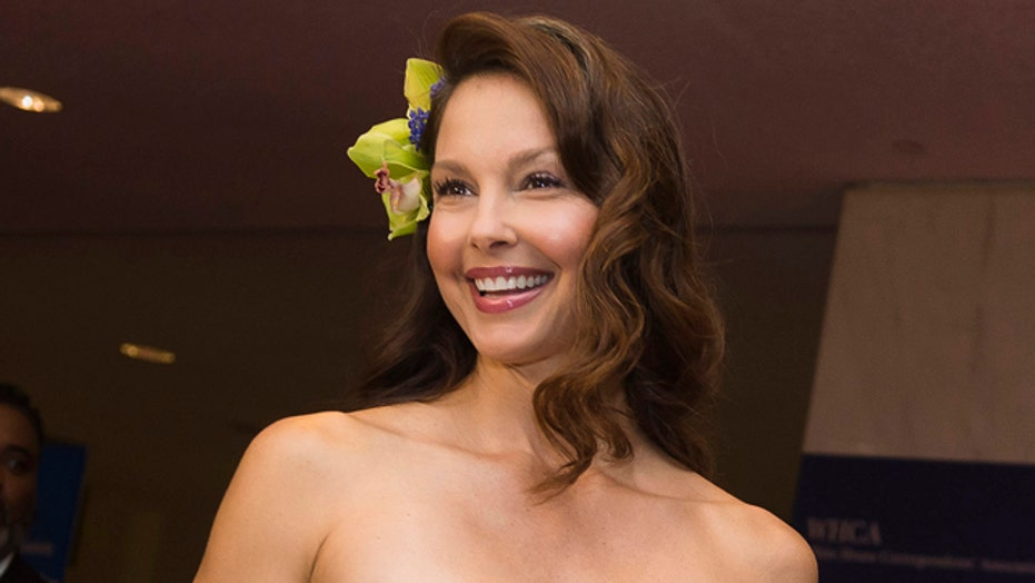 Ashley Judd hopping mad at Twitter