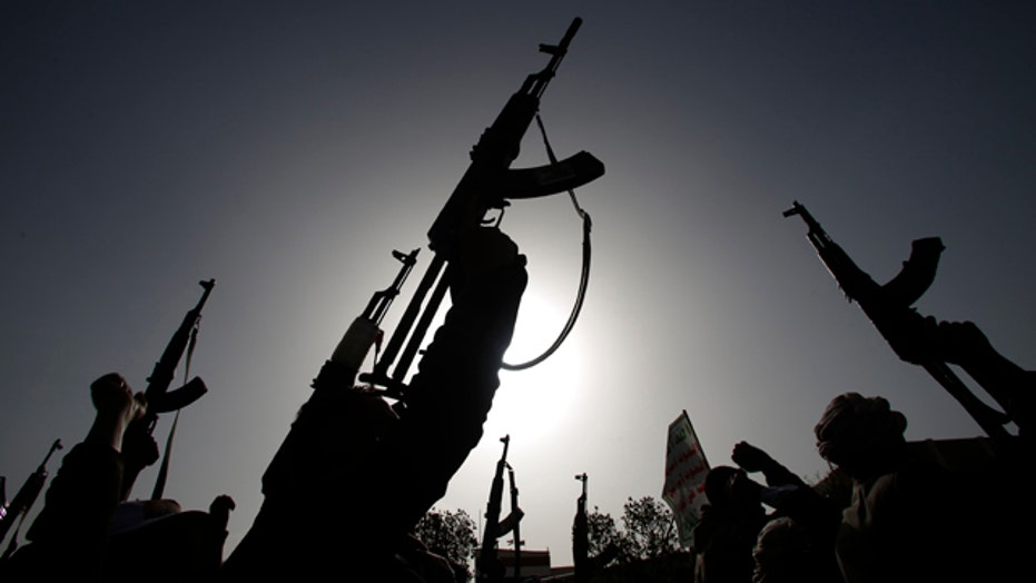 ISIS, Al Qaeda find an opening in Yemen chaos