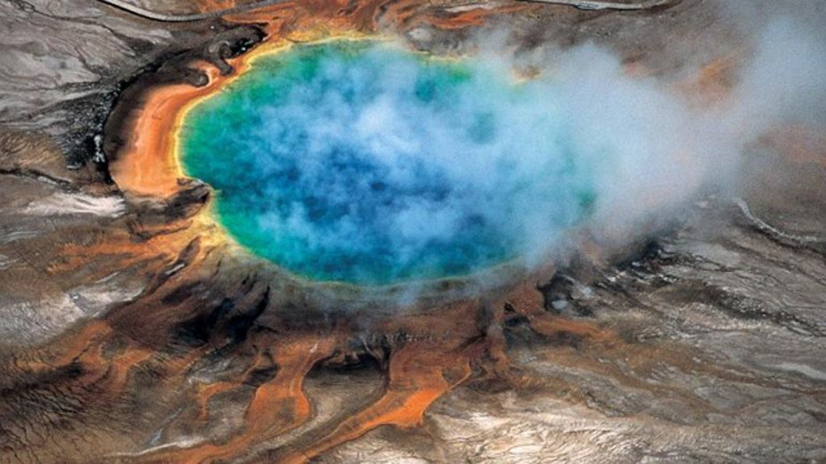 Giant magma reservoir mapped under Yellowstone supervolcano