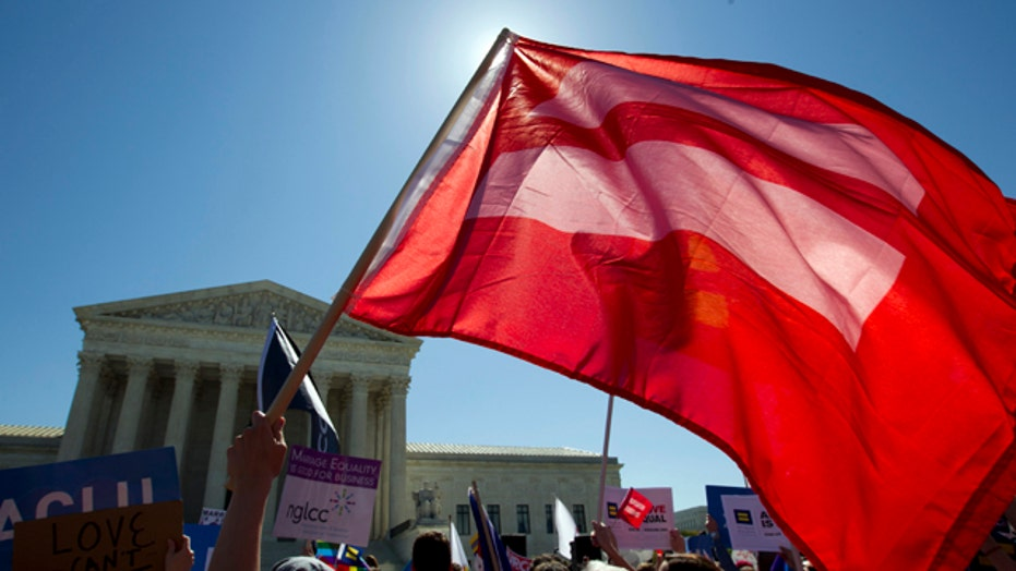 2016 candidates spin Supreme Court gay marriage case