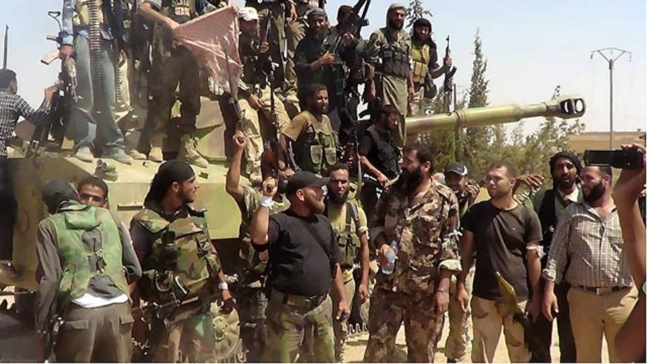 US begins training small groups of 'moderate' Syrian rebels