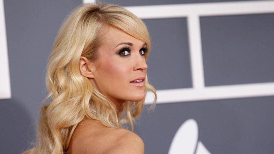 Get Carrie Underwood's Smoky Eyes