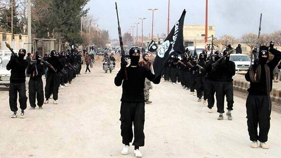 FBI warns military personnel of ISIS threat within the US