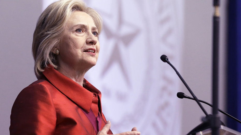 Hillary Clinton calls for automatic voter registration