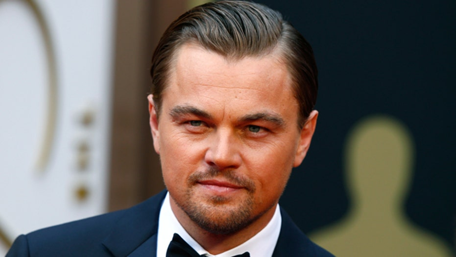 Report: Leo DiCaprio leads sing-along