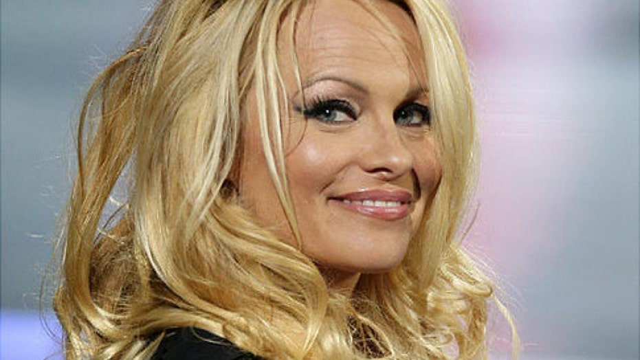Pamela Anderson Claims Shes Cured Of Hepatitis C Posts Nude Pic To