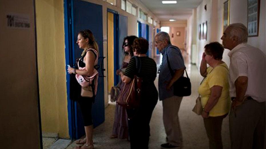 Polls closing in Greece on referendum ballot