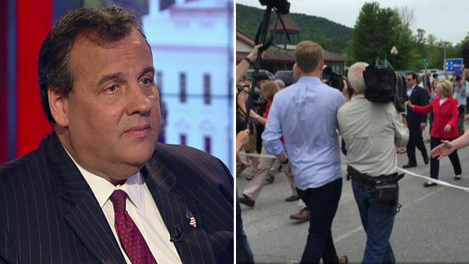 Christie blasts 'outrageous' Clinton press rope line in NH