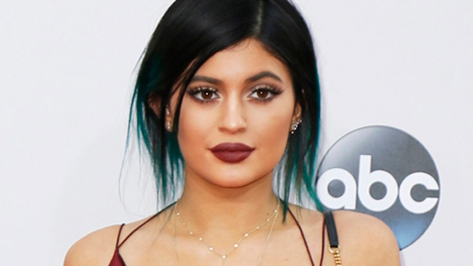 Kylie slammed for appropriating African-American culture