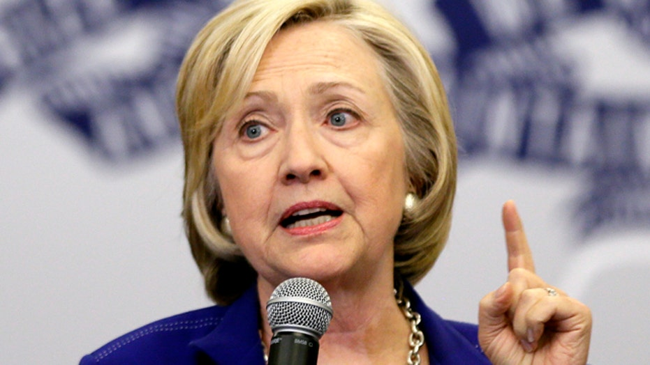 Clinton trails top Republicans in key swing states
