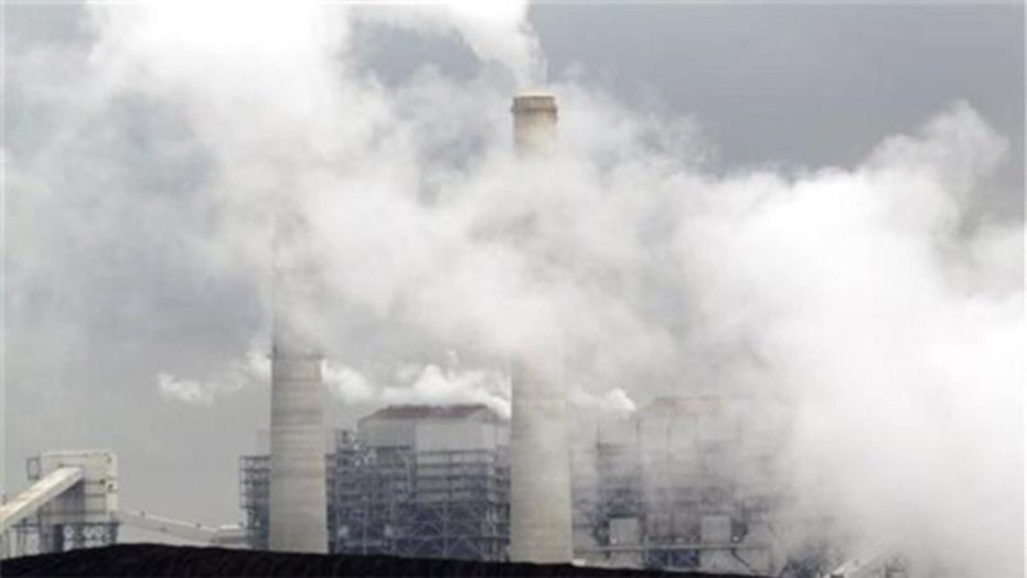 White House to impose cuts on power plant carbon emissions
