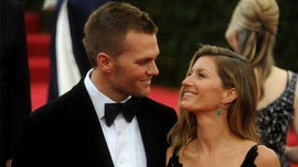 Gisele Bundchen celebrates as Tom Brady heads to the Super Bowl with the Patriots