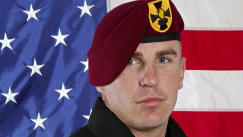 Army parachutist injured in Chicago air show stunt dies