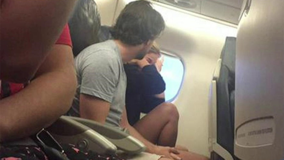 What's worse: Breaking up on a plane or live-tweeting it?
