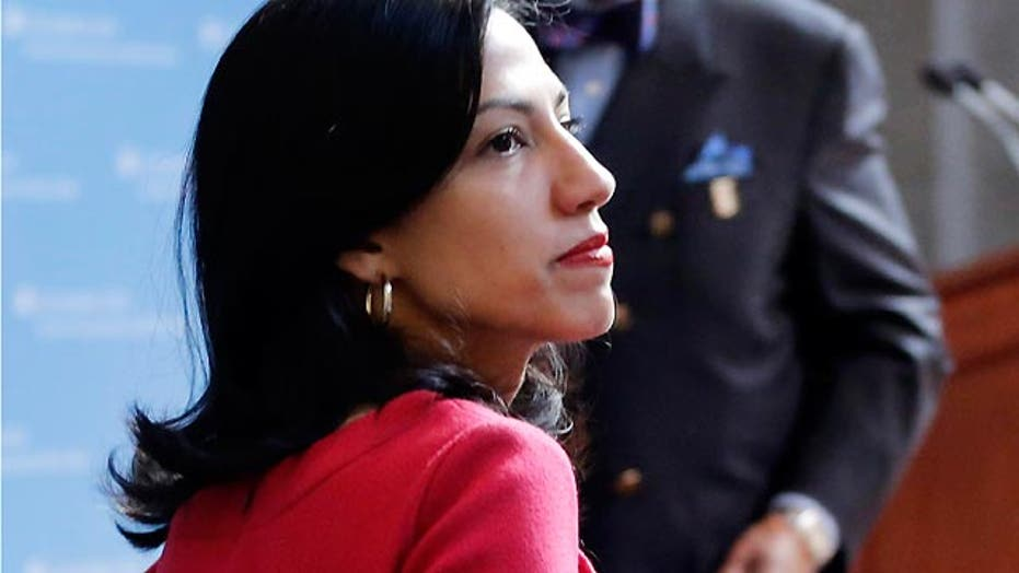 New concerns over Abedin's central role in Clinton web